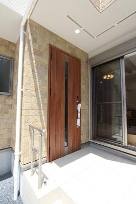 きれいな玄関です:建物完成しました♪毎週末オープンハウス開催♪八潮新築ナビで検索♪