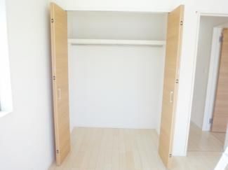 居室クローゼット施工例です。