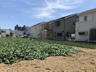 物件の東側は畑なので開放感があります。