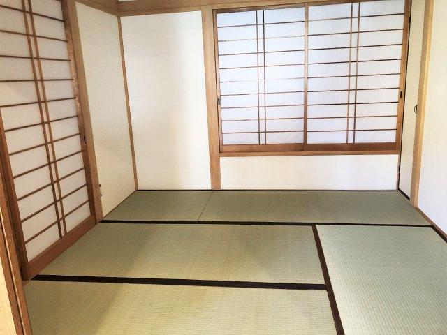 リビング横にある和室。お友達など来客者の宿泊スペースにも使えます。