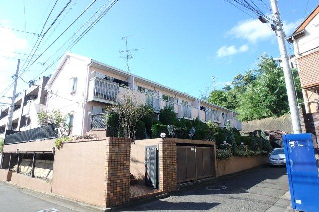 小田急多摩線「栗平」駅より徒歩4分の好立地!お手頃家賃の2階建てアパートです☆