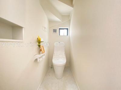1Fと2Fにトイレがあります。