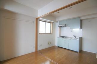 居間です ※302号室(同間取り)の写真です