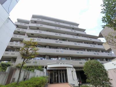 総戸数36戸、1998年4月築、管理人は日勤勤務につき管理体制良好です♪