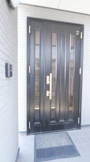 親子扉の玄関です。