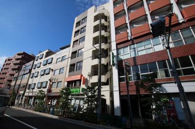 エビハラビル 鶯谷駅から徒歩3分・入谷駅から徒歩6分の好立地。言問通り沿い。鉄筋コンクリート造の7階 (株)メイワ・エステートへお問い合わせください。