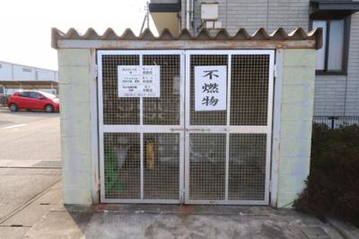 敷地内ゴミ置き場(不燃物)
