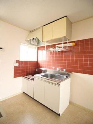 おしゃれなタイルのキッチンです!!