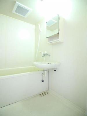 洗面器付きのお風呂です!