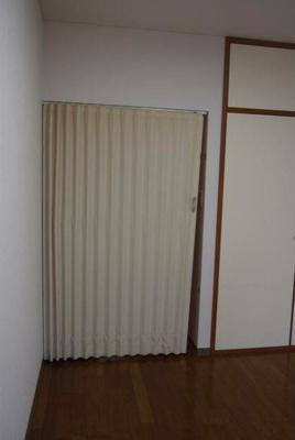 【寝室】ローリエ八幡山