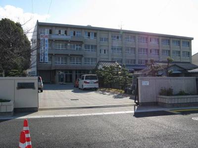 松山市立三津浜中学校 748m