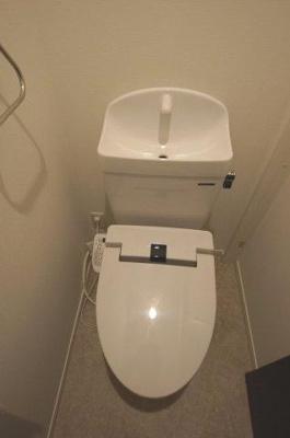 シャワー付のトイレ