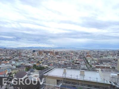 大阪から神戸市街、和歌山方面まで見渡すことの出来る絶景ビューのマンションです!!人気の学校区!本山第二小学校と本山中学校。