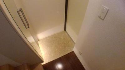 【玄関】ワイツー・アパートメント