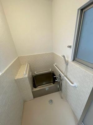 【浴室】歌敷山1丁目貸家