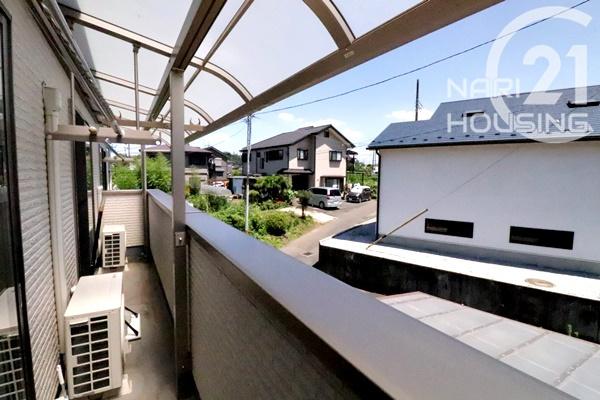 南向き陽当たりの良い屋根付きバルコニー☆