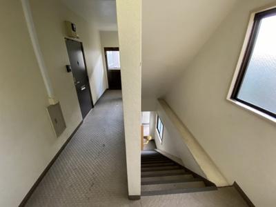 一部室内廊下となっており、雨に濡れない仕様になっています