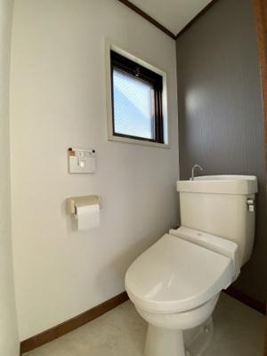 ウォシュレット付きの使いやすいトイレです