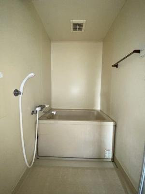 給湯器付きのコンパクトで使いやすいお風呂です