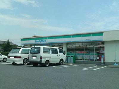 ファミリーマート前橋上新田店まで516m