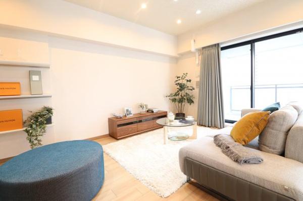 【キッチン】清潔感のあるキッチンです!備え付けの収納棚もあり収納に困りません◎