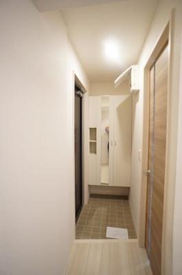 玄関には大型シューズBOXを設置♪ 「Sunlight」のことなら(株)メイワ・エステートへ