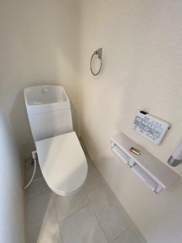 浴室換気乾燥暖房機付きの一坪バス。オールシーズン快適なバスタイムが実現します ※同仕様写真
