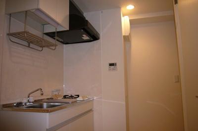 キッチンには1口ガスコンロ設置済み。