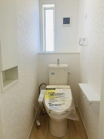 【同仕様施工例】足を伸ばせる1坪サイズの広々とした浴槽で、1日の疲れをゆっくり癒すことができますよ。