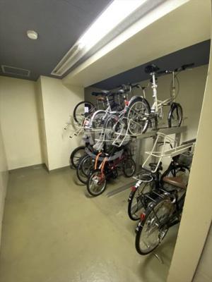 キリンコンプリート 駐輪場