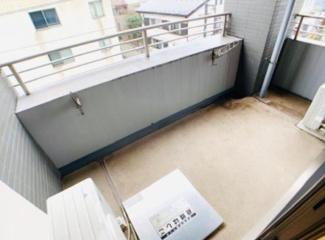 【バルコニー】アパートメンツ東山