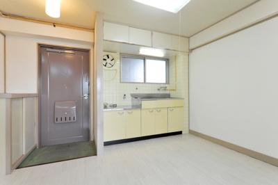 【キッチン】ロイヤルマンション