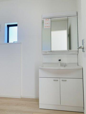 【同仕様施工例】給湯器リモコンです。お風呂を沸かしたいときに『ピッ』と押すだけです。