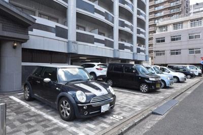 【駐車場】ロイヤルエレガンス