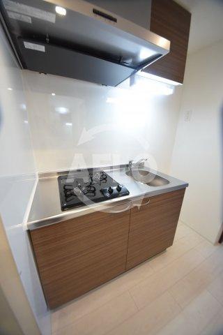 LIVIAZ NAMBA RENOM キッチン