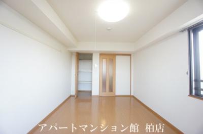 【寝室】セントラルパークウッズ