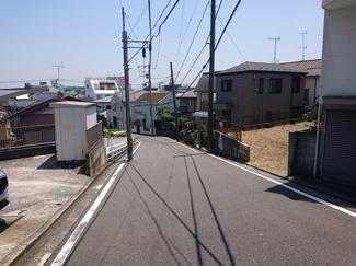 【前面道路含む現地写真】横浜市鶴見区下末吉6丁目 売地