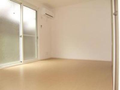 室内の雰囲気です☆エアコン・室内物干しついてます☆