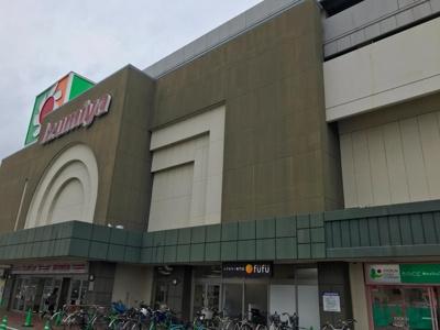 イズミヤ和歌山店 0.9km