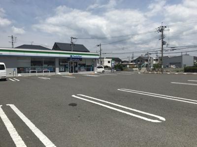 ファミリーマート和歌山南出島店(700m)