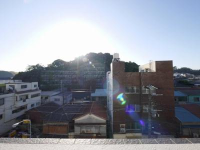 5階バルコニーからの眺望・南東向き・陽当たり良好です。