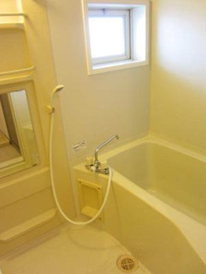 【浴室】メゾンバンビ