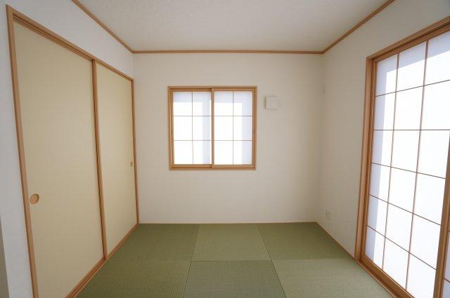 【同仕様施工例】リビング隣接の和室なのでお子様が遊んでいても安心ですね。
