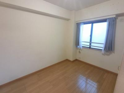 5.1帖の洋室です。 子供部屋やワークスペースとしても活用できます。