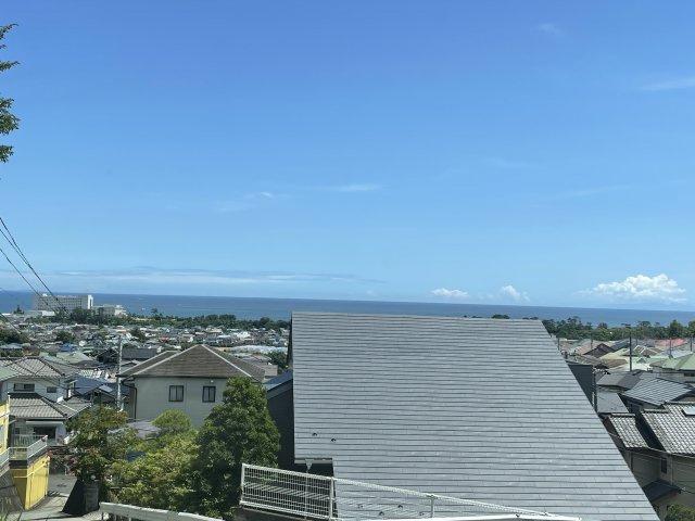 現地からの下坂からの眺望です。相模湾遠望できます。