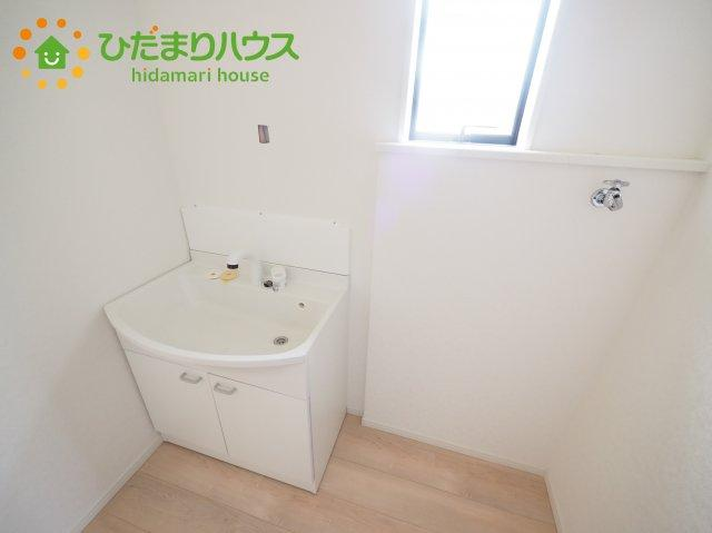 1階洗面脱衣所は、廊下・キッチンからも入ることが出来る風通しのよい間取(*^^*)