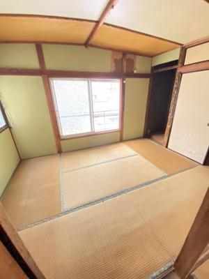 2階の和室にはベランダもありますよ。