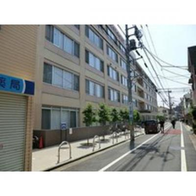 病院「公益財団法人東京都医療保健協会練まで385m」