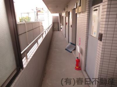 2階共用廊下です