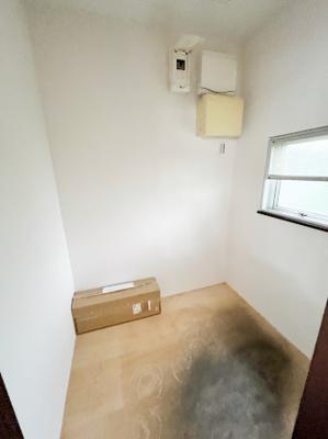 1階 キッチン奥 パントリー